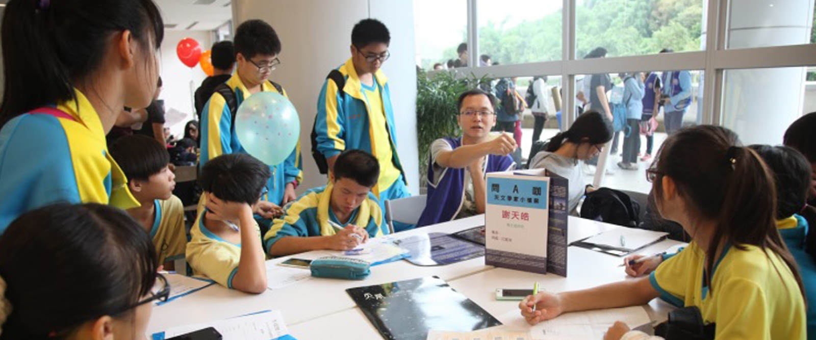 Taiwanese children celebrate the birthday of our partners!